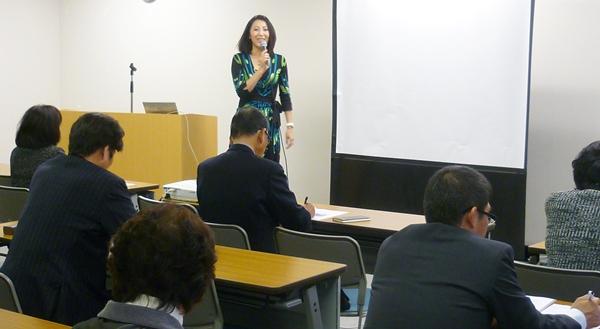 講座では西村講師のウェディング業界など様々なお話もご紹介します